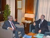 المهندس طارق قابيل مع سفير المجر