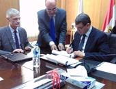 رئيس السكة الحديد يوقع عقدا لتحديث نظم الإشارات والاتصالات