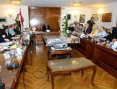 خالد حنفى خلال اجتماعه لتطوير مكاتب التموين