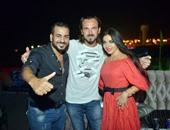 الـ dj التركى أحمد كليك يتوسط آلا كوشنير وجمال شوقى