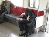 نوم اليابانيين فى مترو الأنفاق – أرشيفية