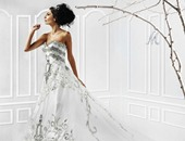 فستان من تصميم منى المنصورى