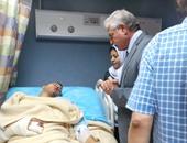 محافظ جنوب سيناء يتفقد المصابين