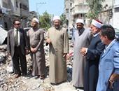 وفد الأزهر خلال تفقده أثار الدمار التى أحدثتها آلة الحرب الصهيونية على قطاع غزة