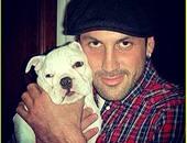 لقطة لماكسيم مع كلبه