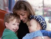 أم مع أطفالها - أرشيفية