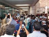 استقبال حافل للضابط فى المطار