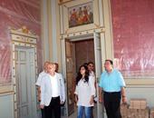 رئيس قطاع الفنون التشكيلية يتفقد أروقة قصر عائشة فهمى