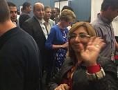 عمرو أديب ولميس الحديدى فى طابور استخراج التصاريح