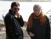 المخرج الراحل يوسف شاهين والمخرج خالد يوسف