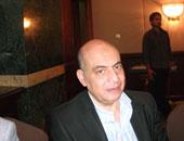 الدكتور أشرف عمر أستاذ الكبد والجهاز الهضمى
