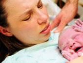 أم ورضيعها - أرشيفية