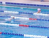 السباحة من أهم الرياضات المناسبة أثناء الصيام