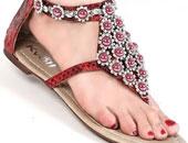 الصندل يبرز جمال قدمك