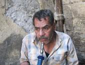 شخص يدخن الشيشة – أرشيفية