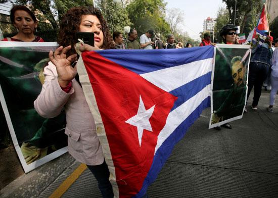 مواطنون كوبيون فى انتظار وداع كاسترو