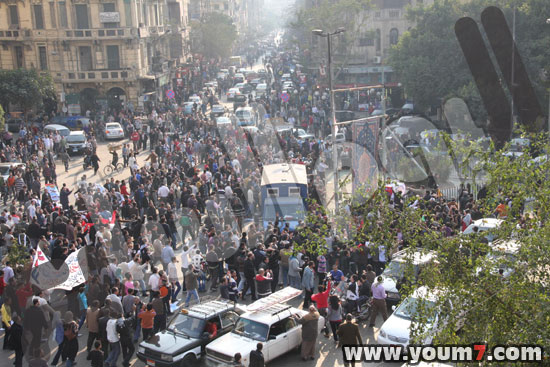 Demonstrations on anger in Egypt pictures  32