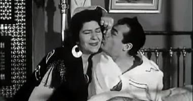 """قبلة عبد السلام النابلسى لزينات صدقى فى """"شارع الحب"""""""