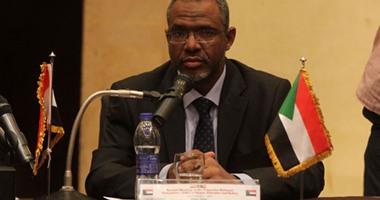 وزير الموارد المائية والرى السودانى يصل القاهرة