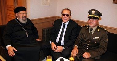 بالصور..  الساحر  محمود عبد العزيز يحتفل بنصر أكتوبر فى فرنسا