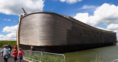 بالصور.. هولندى يبنى سفينة نوح ليظهر عظمة الله فى إنقاذ مخلوقاته