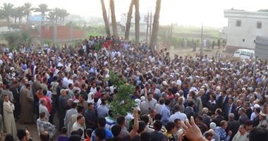 الآلاف بالبحيرة يودعون جثامين 4 شهداء فى تفجير سيناء