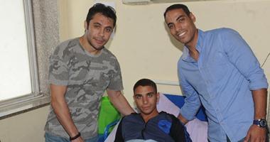 بالصور.. أحمد حسن وخالد بيبو وشوقى غريب يزورون مصابى الجيش