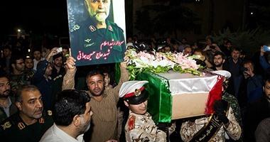 بالصور.. إيران تشيع جنازة قائد الحرس الثورى وخامنئى ينعيه