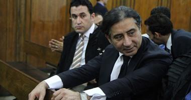 """أحمد عز: """"أنا تعبان ومستعد اتصالح بأى تمن"""".. والقاضى يرد: """"هندرس طلبك"""""""