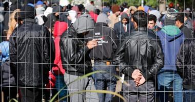صحيفة دنماركية: عشرات اللاجئين المسلمين يدخلون المسيحية لنيل الإقامة