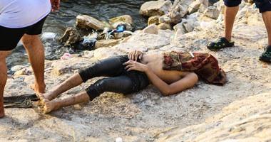 الإنقاذ النهرى يتنشل جثة شخص بمياه النيل فى القناطر الخيرية