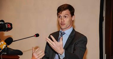 سفير بريطانيا يطلق برنامج منح دولية لشركات النفط والغاز بمصر