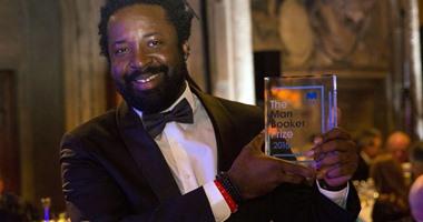 بالصور.. فوز الكاتب الجامايكى مارلون جيمس بجائزة مان بوكر البريطانية