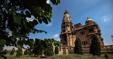 اعرف حقيقة تغيير ألوان قصر البارون الأصلية وتشوه معالم المعز الأثرية