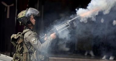 بالصور.. استمرار المواجهات فى الأراضى المحتلة وإسرائيل تعتقل 5 فلسطينيين