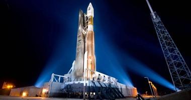 انطلاق صاروخ أطلس 5 فى الفضاء بحمولة عسكرية