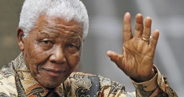 """نيلسون مانديلا.. 102 عام على ميلاد """"المشاكس"""""""