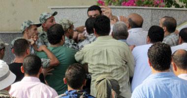 مدير مستشفى بنى سويف ينفى وقوع حالات وفاة.. اشتباكات بين الأمن ومعلمى بنى سويف.. 11020114191335