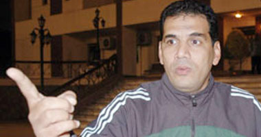 طاقم تحكيم تونسى- مصرى - جزائرى لنهائى كأس العرب 1112010321264