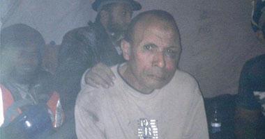 بالصور معتصمو التحرير يقبضون ضابط