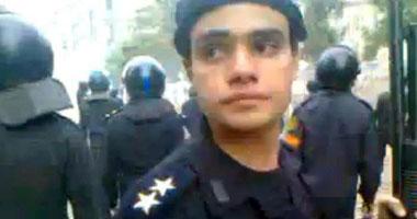 """""""الداخلية"""" ترفض عرض الضابط المتهم بفقء عيون المتظاهرين على النيابة 111201125183534"""