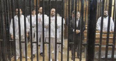 """اليوم الثالث لـ""""مرسى"""" داخل سجن برج العرب.. يرفض """"التعيين"""" ويطلب تناول وجبة سمك.. وعضو بالجماعة يرسل له """"تليفزيون""""..ويطالب أفراد حراسته بالوقوف بجانبه وتارة يصفهم بـ""""الظلمة"""".. ومخاوف إخوانية من """"نخنوخ"""""""