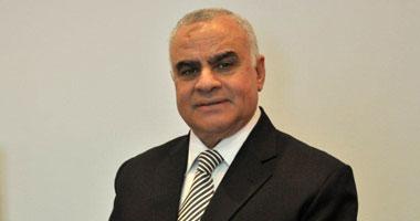 الدكتور محمود هاشم عبد القادر أستاذ الكيمياء الضوئية بجامعة القاهرة ورئيس الجامعة الألمانية