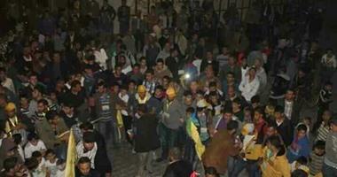 عشرات الفلسطينيين يقتحمون مقر مجلس الوزراء فى غزة