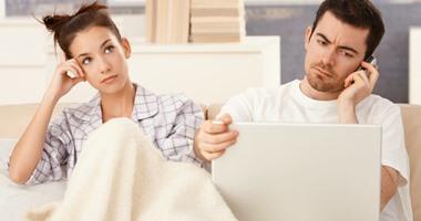 دراسة: البريطانى يخصص 6 دقائق فقط للحديث مع زوجته