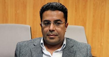 باسل عادل: زواجى بإسراء عبدالفتاح انتهى من سنوات واستخدامه قذارة انتخابية