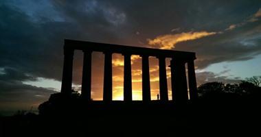 """بالصور.. تعرف على سحر الطبيعة فى إسكتلندا.. الشمس والسحب يظللان مرتفعات """"Maol Ruadh"""".. وقوس قزح يزين تمثال """"Kelpies"""".. ومعبد """"كالتون هيل"""" عنوان للجمال"""