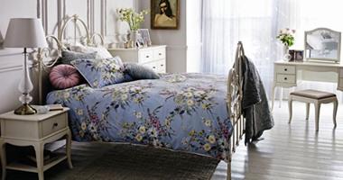 صور غرف نوم كلاسيكية بألوان مشرقة.. لعاشقات