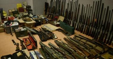 حبس عامل 4 أيام بتهمة حيازة أسلحة وذخائر نارية فى المطرية