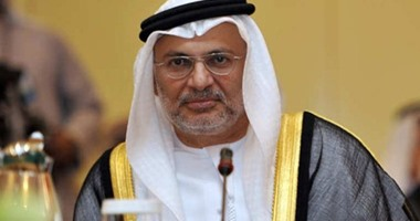 """أنور قرقاش: """"السودان يطوى صفحة حكم البشير والإخوان المسلمين"""""""